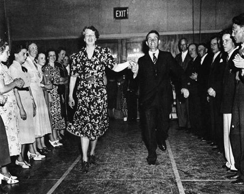 er-dancing1.jpg